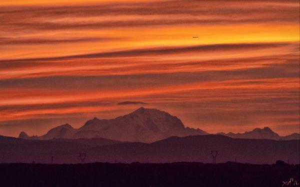 Le Mont Blanc se lève