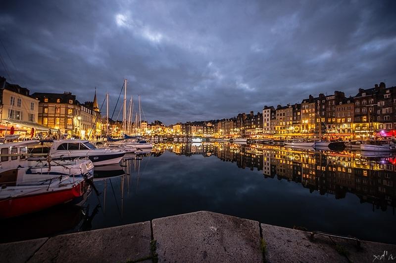 Honfleur by night