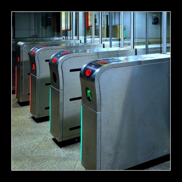 Des poertillons de métro