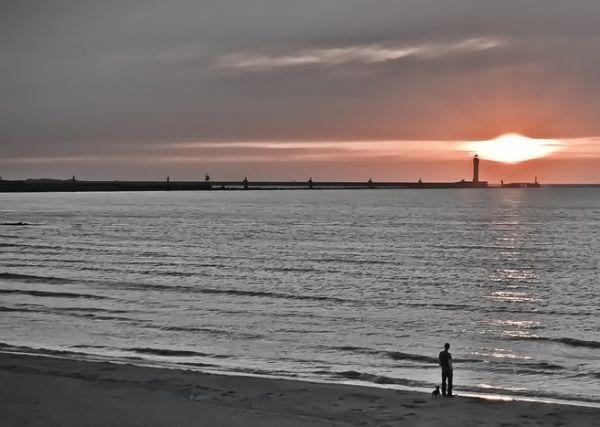 Coucher de soleil sur la plage de Dunkerque