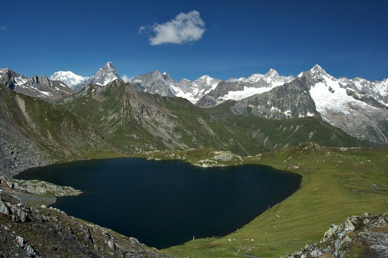 Lac Fenêtre Massif Mont Blanc Range