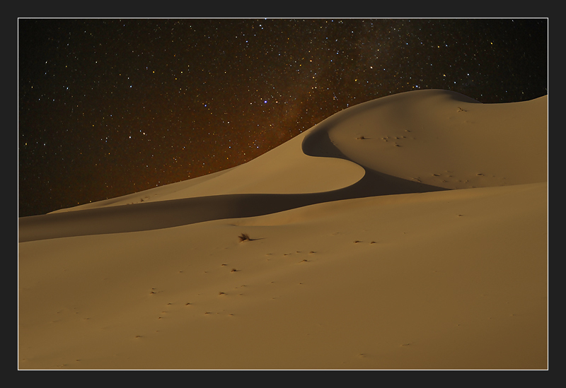 Desert of Algeria... by night. Erg Admer