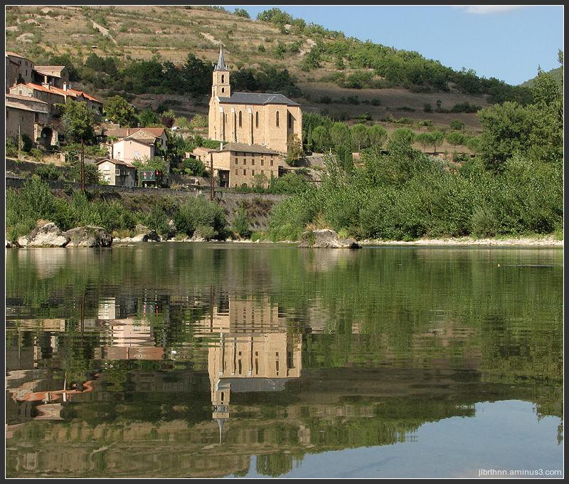 Saint-Cristohe church reflection, Comprégnac