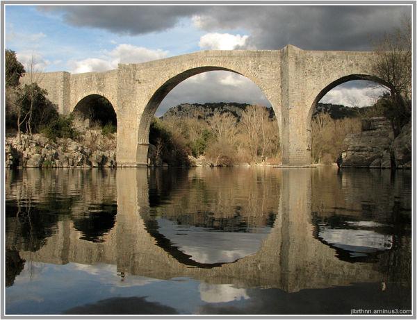 Saint-Étienne d'Issensac gothic bridge, Brissac