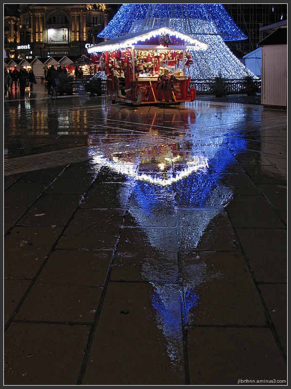 Street reflection of christmas, Montpellier