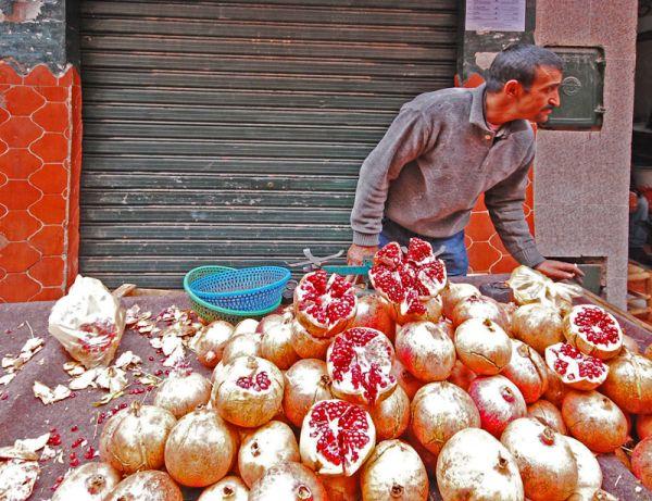 Pomegranates seller in Marrakech