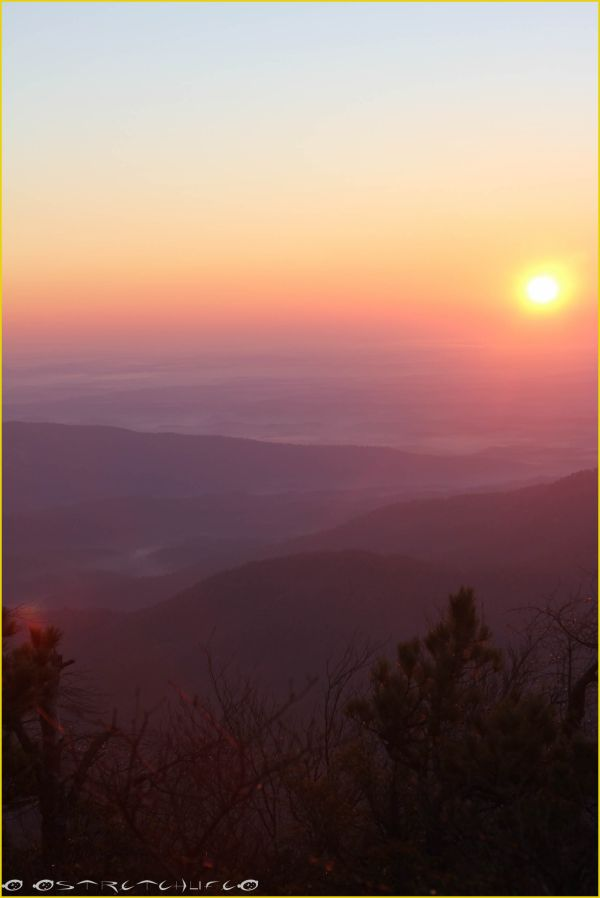 A beautiful sunrise over looking Linville Gorge