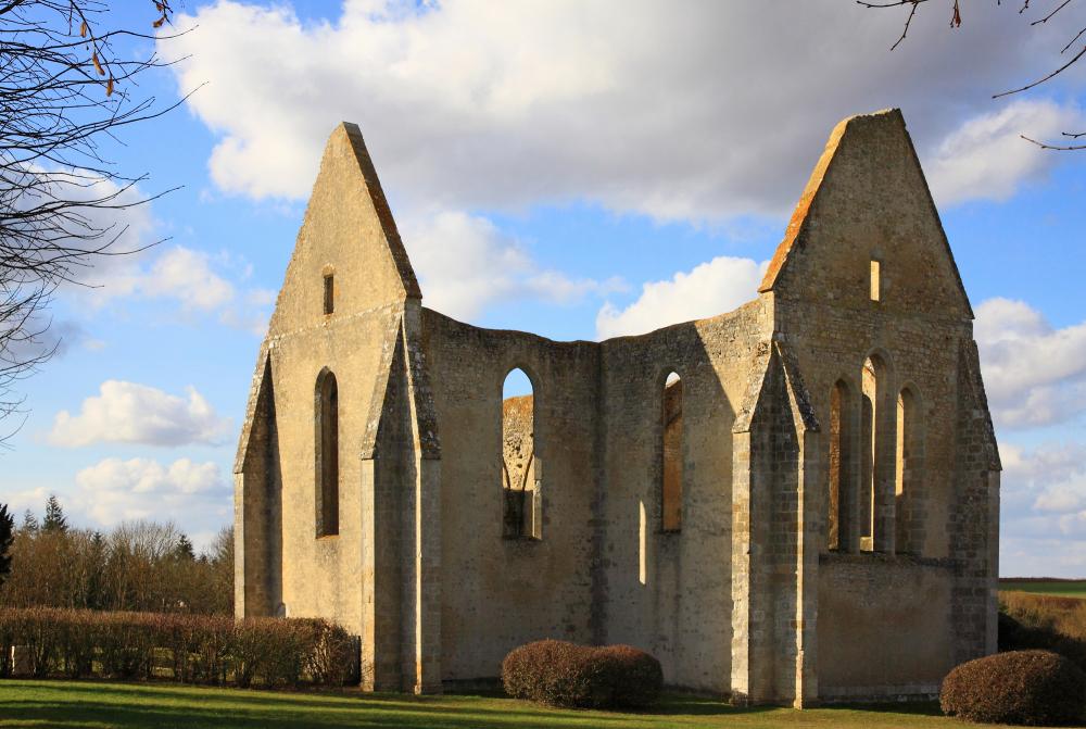 Ruines de Saint Lubin