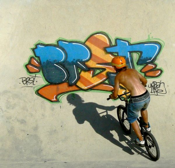 bike and grafiti