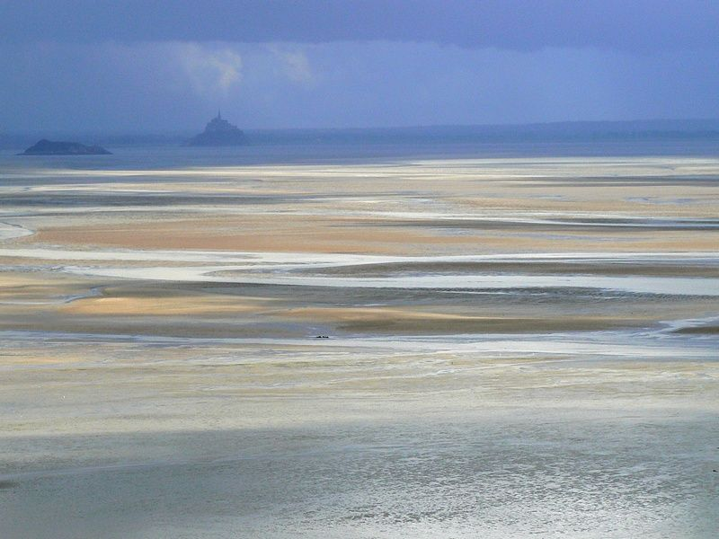 mont-saint-michel seen from far away