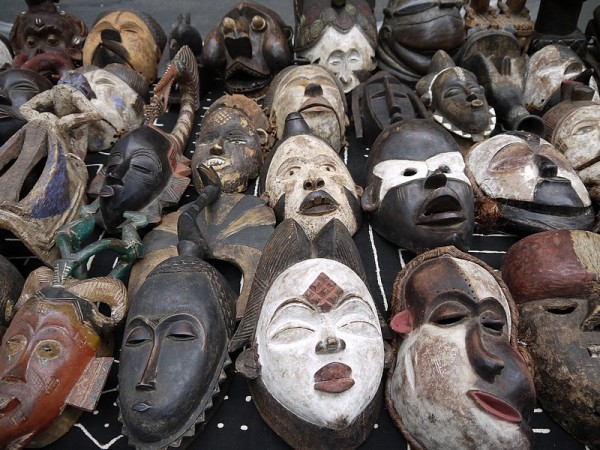 bas les masques!