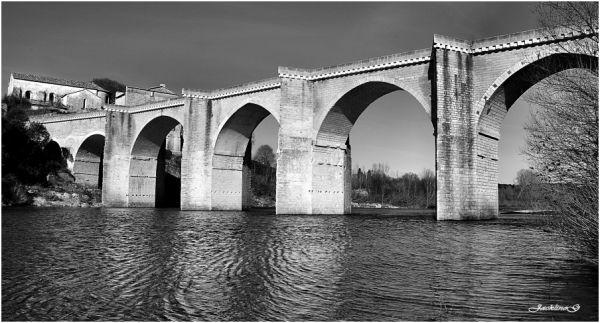 Sous les arches du pont ...