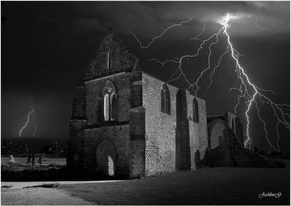 Coup de foudre sur l'Abbaye ...