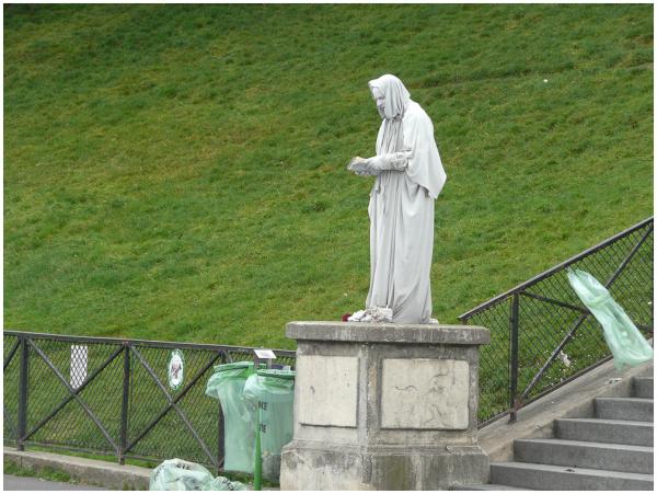 Ceci n'est pas une statue