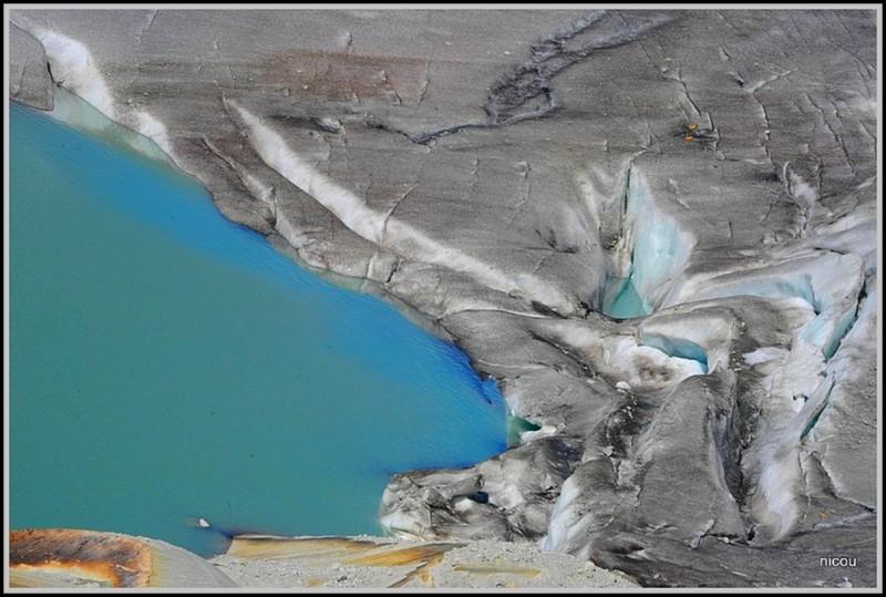 Glacie du Rhône qui fond