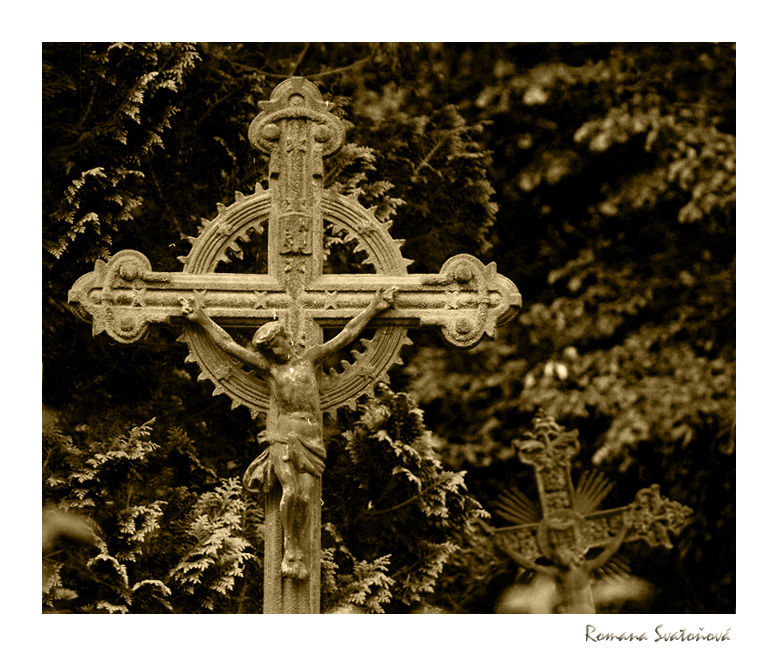 cross at the cemetery in Kašperské Hory