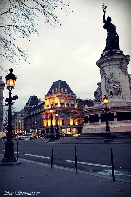 Paris' squares....
