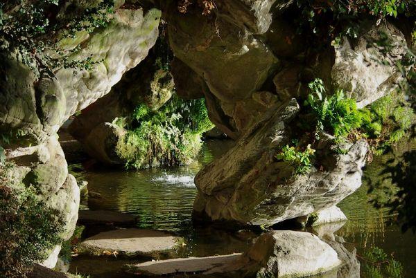 La grotte de Bagatelle