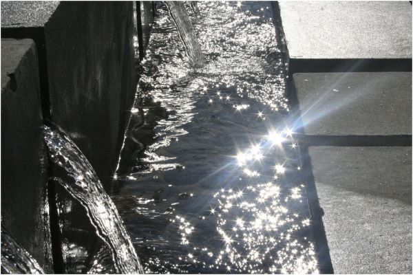 water reflects sunlight
