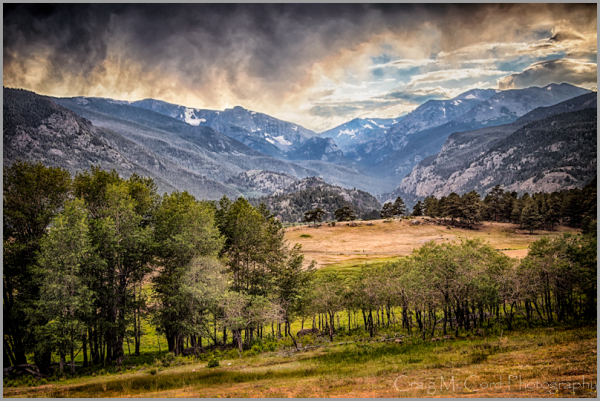 Afternoon storm clouds in RMNP