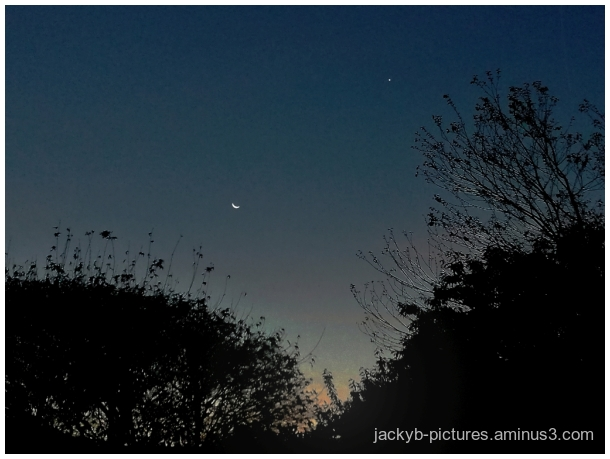 Moon and Mars...   La Lune et Mars ...♥  Superbe !