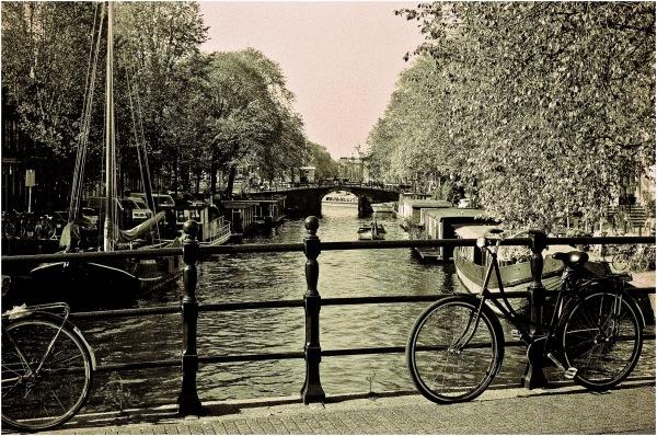 Les bords du canal