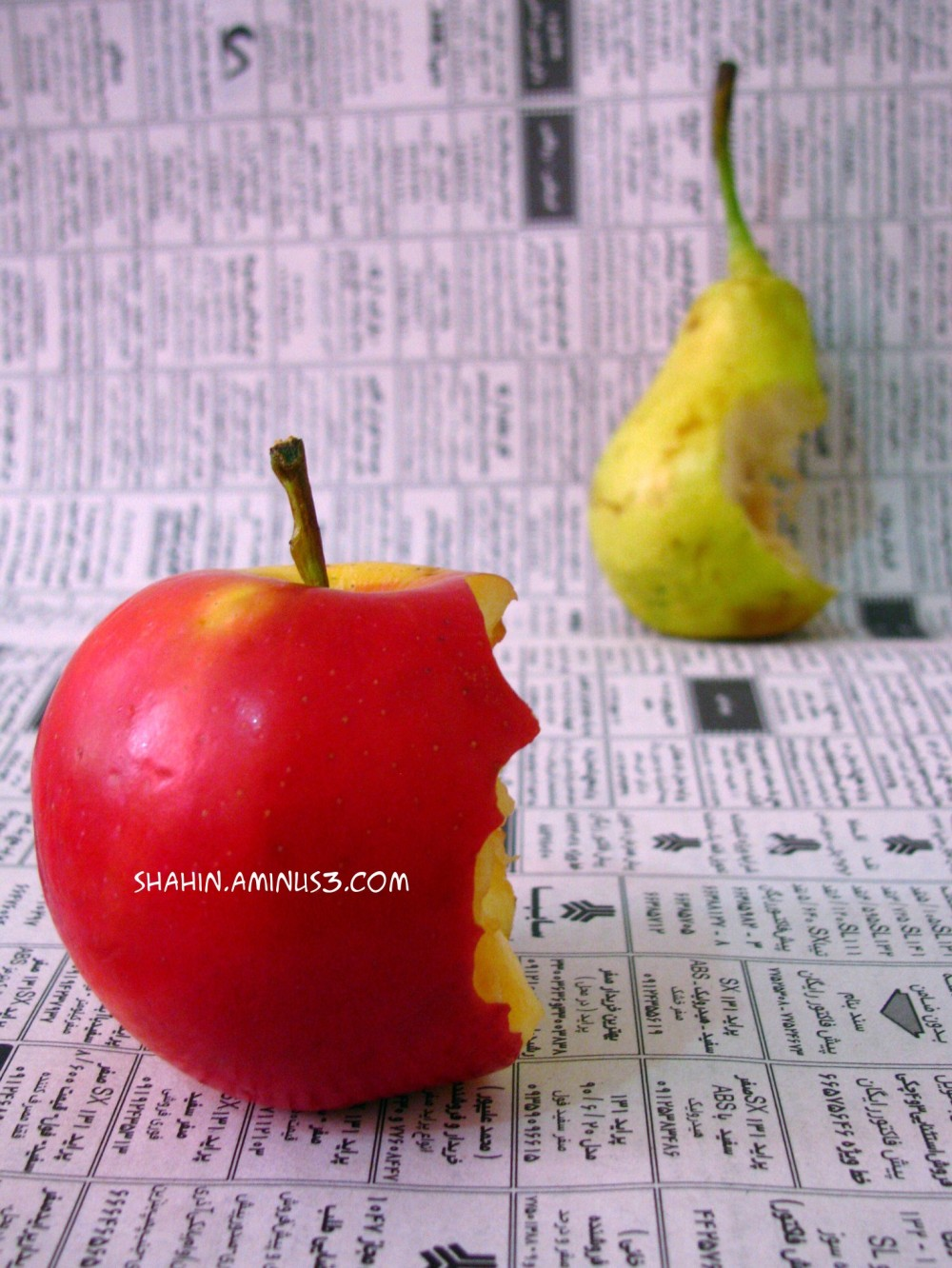 Newspaper-Apple-Pears
