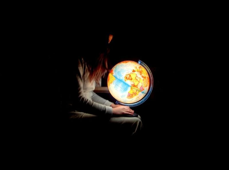 """""""she`s got the whole world in her hand ..."""""""
