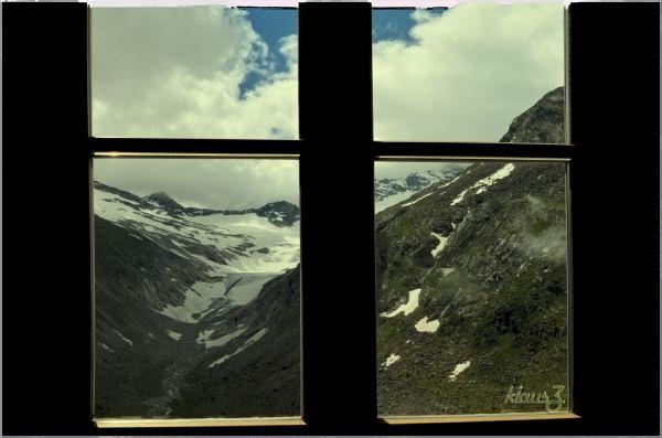 (11) ... window seat ...
