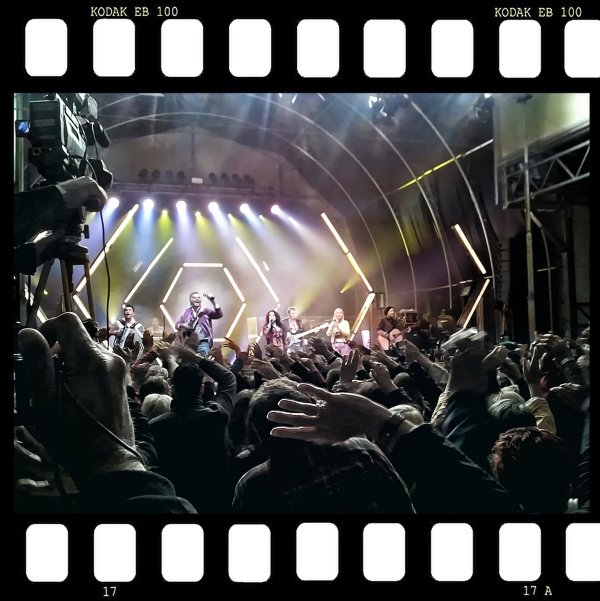... in concert ...