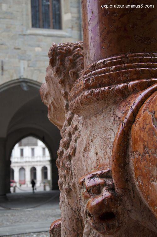 La Porta dei Leoni Rossi