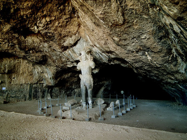 Shapor's cavern
