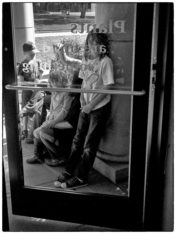 kids at door