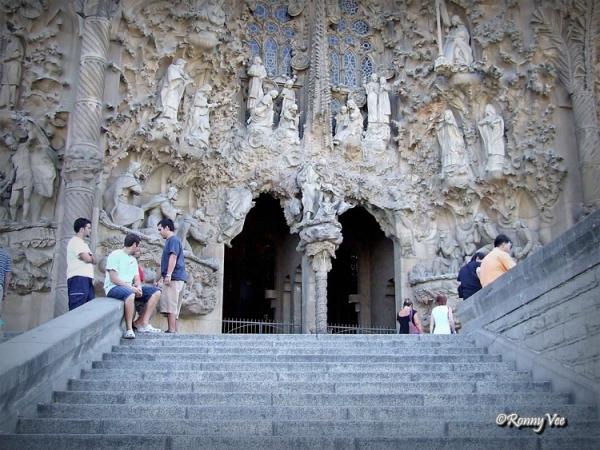 Sagrada Familia. Entrance