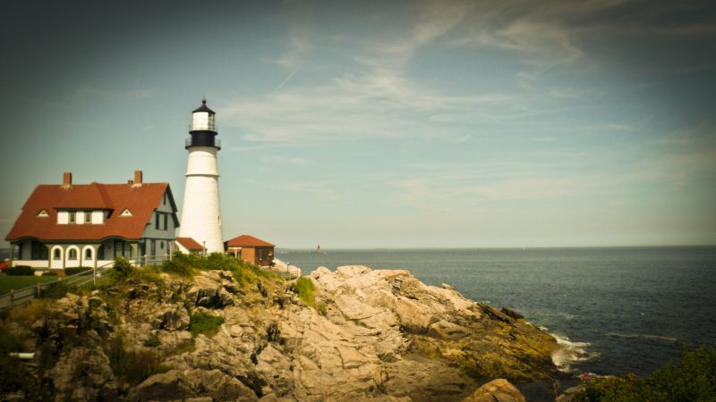 a lighthouse in new england