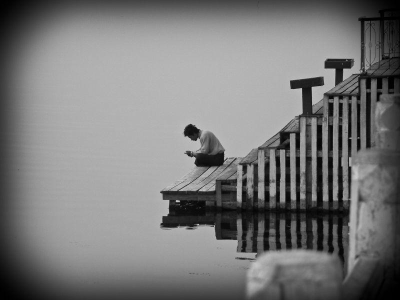 morning prayer on the inle lake