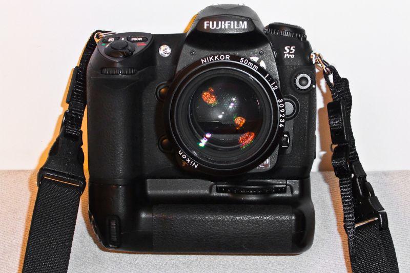 Fujifilm S5 Pro Nikkor 50mm 1.2