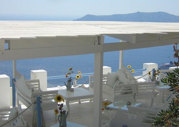 .... un café frappé sur la terrasse ?