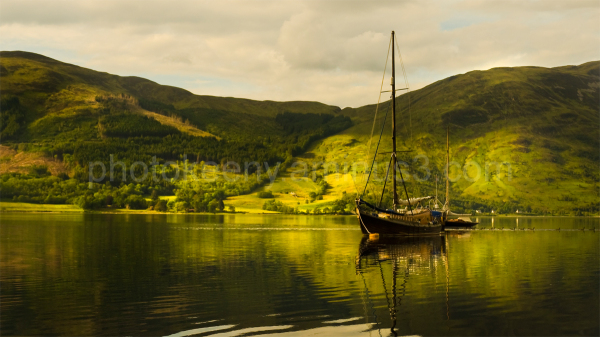 boat in loch glen coe