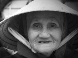 La vieille dame de Hôi An