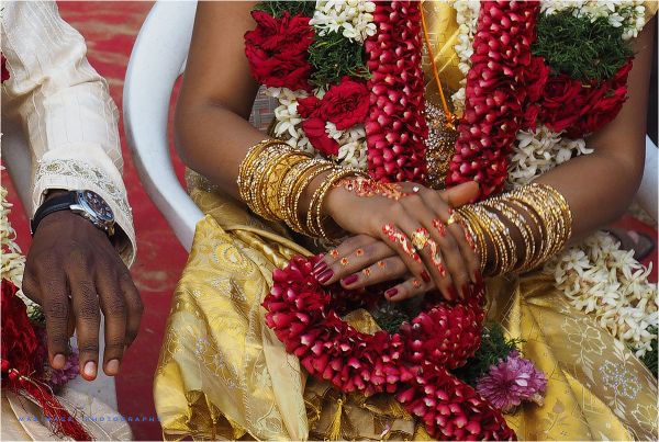 Des mains de mariée...