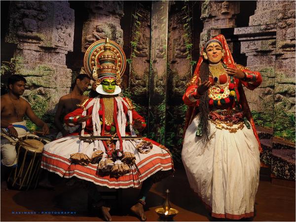 Le théâtre Kathakali...