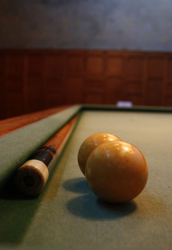 Taula de billar  (billiard table)