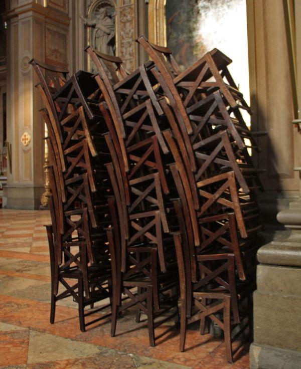 Cadires apilades