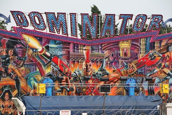 Festa major (1). Dominator