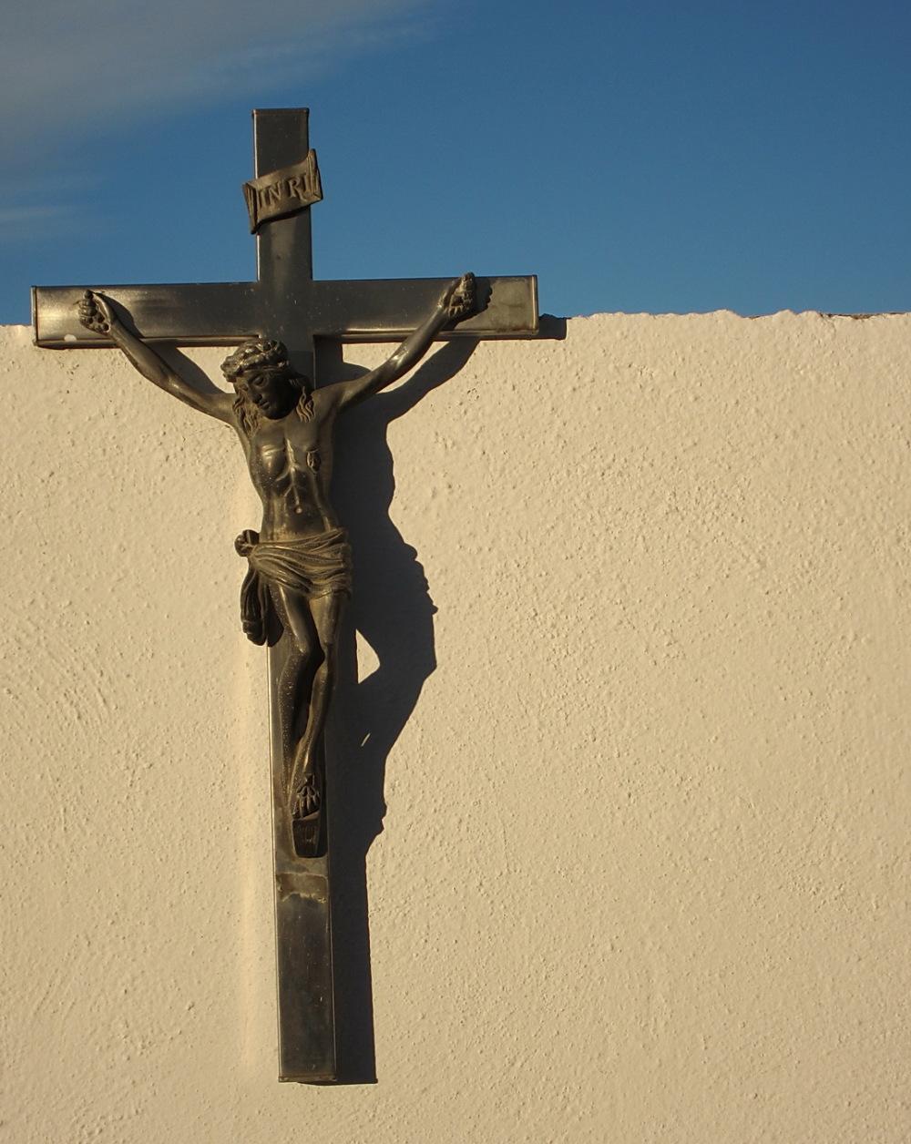 Creu amb ombra