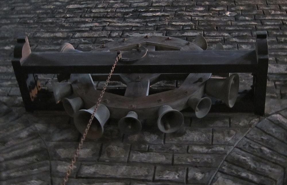 Santa Maria de Ripoll #4 Rotlle de campanetes