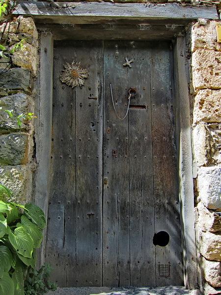 Porta amb gatera