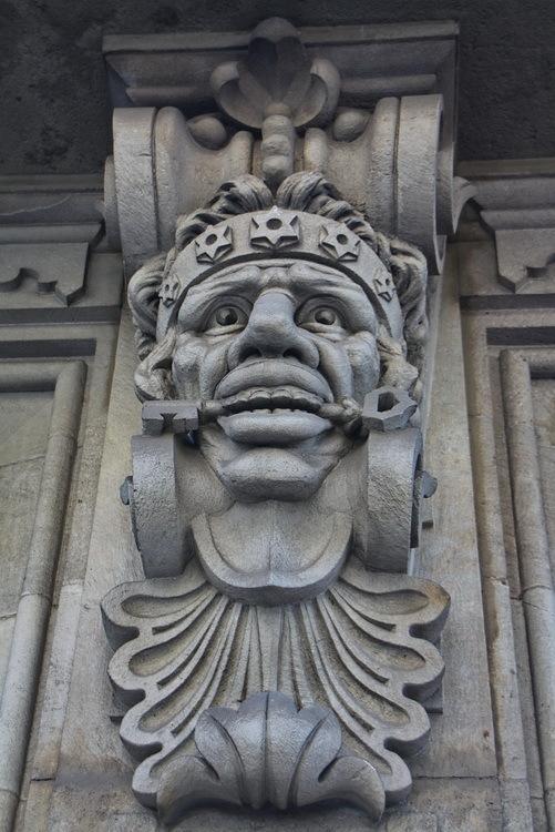 Mènsula. Casa V. Ferrer. Barcelona