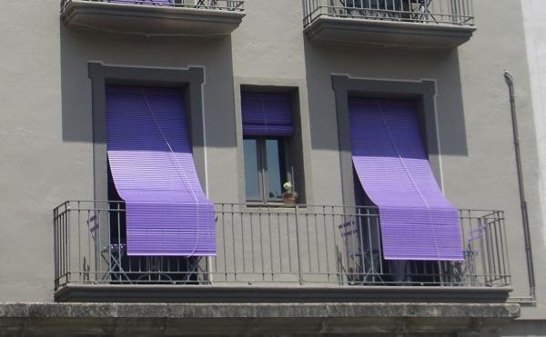 La casa de les persianes liles